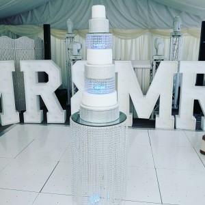 5-tier-wedding-cake-crystal-table-kent