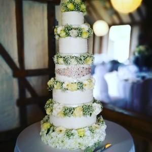 floral-6-tier-wedding-cake-kent
