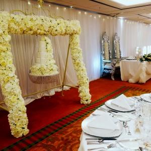 hanging-floral-swing-cake-ashford-kent