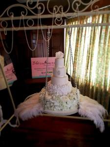 hanging-wedding-cake-ashford