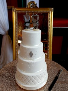 large-4-tier-reveal-wedding-cake